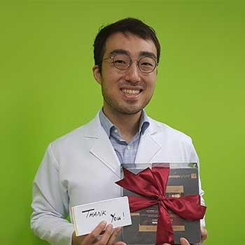 Dr Max Lee
